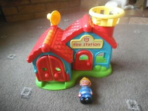 ELC HAPPYLAND ~ FIRE STATION + FIGURE  With Sound