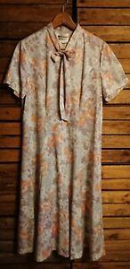 Vintage 1970's Norman Linton Floral Day Dress. Size L
