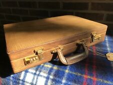 VINTAGE 1980's DISTRESSED LEATHER LODIS SPAIN BOX HARDSIDE BRIEFCASE BAG R$898