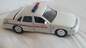 Road Champs Reading Police  Diecast Vehicle 1:43 Scale