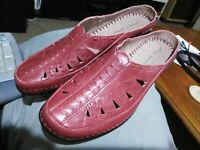 """Easy Spirit Womens Size 9.5 M Red Leather Mules Slip On Shoes """" Dolly"""" Nice!"""