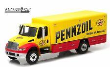 1:64 GreenLight *HD TRUCKS R2* PENNZOIL INTERNATIONAL Durastar Delivery Truck