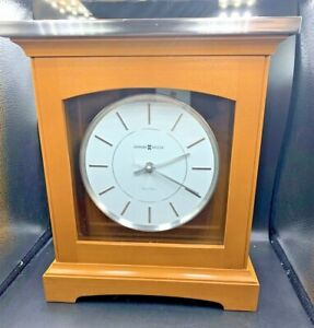 Howard Miller Urban Mantel clock 630-159 Dual Chime Pre-Owned Tested works fine