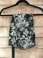 Sharon, Super Soft One Size Capri Leggings, Black White Flower , M019N