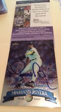 Mariano Rivera Yankees Signed 1998 Topps Finest Card JSA Cert