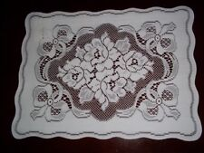 LACE  PLACEMAT WHITE14 X 19 TABLE HOLIDAY CHRISTMAS FLORAL WTPF525