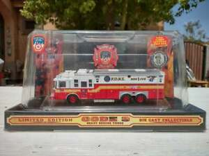 Saulsbury Code 3 FDNY Heavy Fire Rescue ~ Limited Edition ~ 1/64 Diecast