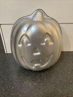 1995 Wilton Cake Pan 3D STAND UP JACK-O-LANTERN #2105-3150 Halloween