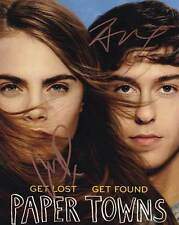 Paper Towns In-person AUTHENTIC Autographed Cast Photo COA SHA #44362