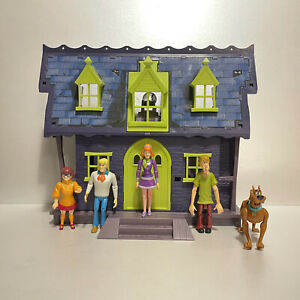 Scooby Doo Mystery Mansion Playset & Figure Bundle