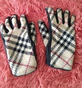 Burberry Check Gloves Wool And Cashmere