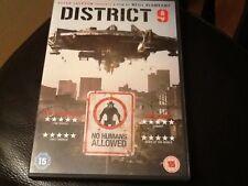 District 9  DVD Sharlto Copley, Jason Cope, Nathalie Boltty  ( ALIEN THRILLER )