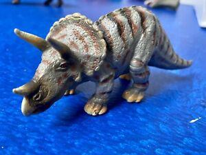 2002 Schleich Triceratops Dinosaur 5 inch Figure D 73527
