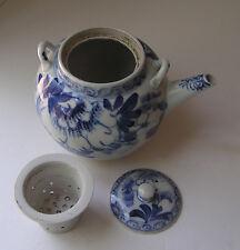 Vintagte Chinese Tea Pot Blue & White Porcelain