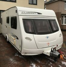 2011 LUNAR CLUBMAN SE FIXED BED 4 BERTH TOURING CARAVAN FITTED WITH REMOTE MOVER