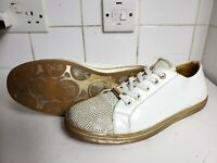 YOUNG VERSACE DESIGNER GIRLS WHITE GOLD PATENT FLAT TRAINERS SHOES UK 7 EU 40