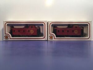 HO Scale Santa Fe AT&SF #3851 Freight Train Caboose Car / Lot Of 2