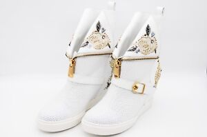 LucyToni White Leather Ankle Boots With Raised Heels And Decorative Upper