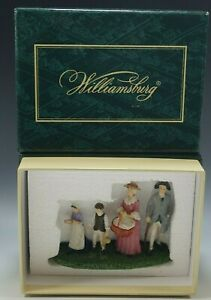 2007 COLONIAL WILLIAMSBURG COLONIAL FAMILY WISE AND LANG MIB 5006029