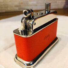 BeBe 100 D.R.P. Feuerzeug Tischfeuerzeug 50er Petrol Table Lighter Rot Top