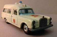 MATCHBOX KING SIZE ancienne Mercedes Benz blitz ambulance  K-6 pas DINKY