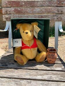 LE Gabrielle Designs Classic Collectible Winnie the Pooh w/ honey pot. 1697/2000
