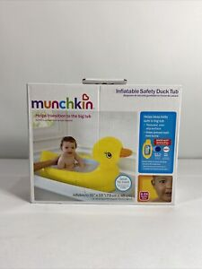 Munchkin Inflatable Safety Duck Tub NEW IN BOX.                       D1