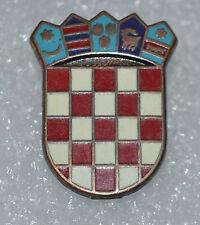 Croatia Croatian Army crest coat of arms early 90s war hat enamel pin badge rare