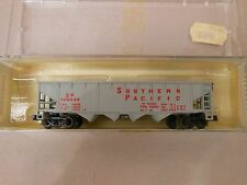 N SCALE MINITRIX SOUTHERN PACIFIC QUAD HOPPER