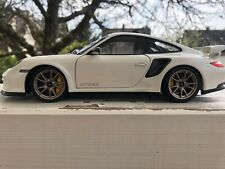 1:18 Minichamps Porsche 911 GT2 RS 2011 997 BY RACEFACE-MODELCARS