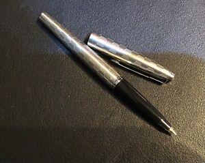 Parker 45 -  Grey Shield -  14k Medium Italic nib