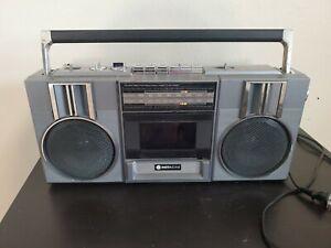Vtg 80s Hitachi TRK-6820H Boombox AM FM Radio Ghetto Blaster