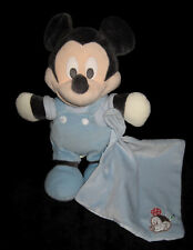 Doudou Peluche Mickey gris noir et son mouchoir carré bleu Nicotoy Disney 28 cm