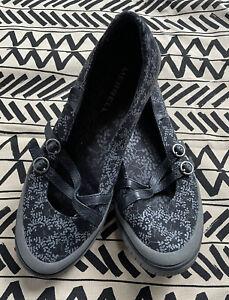 Women's Merrell Shoes Flats 9.5