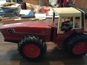 11979 1/16 Ertl International Harvester 3588 2+2 tractor