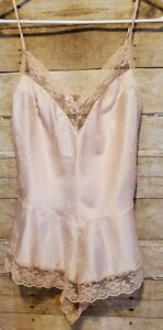 Vtg Jezebel Teddy Medium Peach Lace Floral Romper Snap Crotch Made in USA EVC
