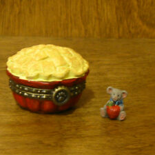 Boyds Treasure Box 4029457 Gala'S Pipin Hot Apple Pie w/ Flaky McNibble, 1Ed Nib