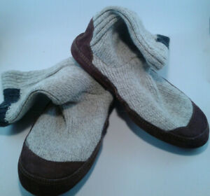 Acorn Slouch Boot Size 7.5 - 8.5. Grey Ragg Wool. Non-Slip Indoor / Outdoor Sole