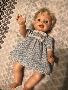 "PLAYMATES 2000 Amazing Babies BLONDE BABY GIRL doll 14"" INTERACTIVE Orig."