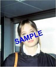 ORIGINAL PRESS TRANSPARENCY - GORGEOUS DEBBIE RAFFIN AT LONDON AIRPORT FROM LA