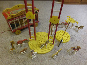 FISHER PRICE CIRCUS WAGON SET #900 WITH EXTRAS