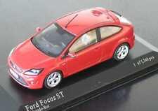 wonderful modelcar FORD FOCUS ST 2009 in r e d - 1:43