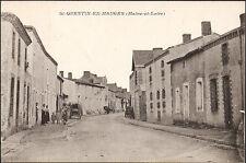 St QUENTIN en MAUGES (49) - Une rue du village