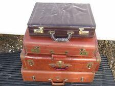 4 pc Vintage Assorted Horn Taperlite Brown Travel Luggage Train Bag good decor