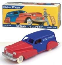 Dimestore Dreams 20050 US Delivery Sedan 1:43 plastic red/blue MINT w/catalog