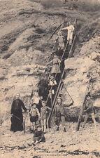 COMMES la descente à la mer au bouffay prêtre timbrée