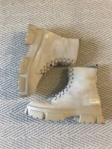 Steve Madden Nude Suede Track Sole Lace Up Ankle Boots Size 40 / 9