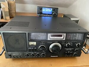 Panasonic Rf-4800 Amateur flagship of AM-FM/Shortwave radios