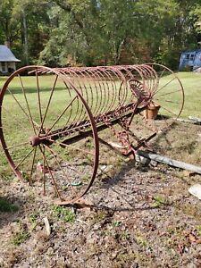 Vintage International Deering R 1009 Self-Dump Hay Rake Complete