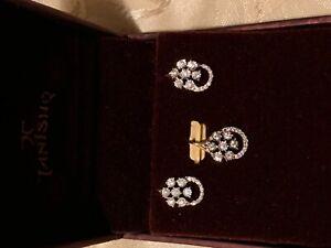 Beautiful 18k yellow gold diamond SI2 G-H earrings and pendant
